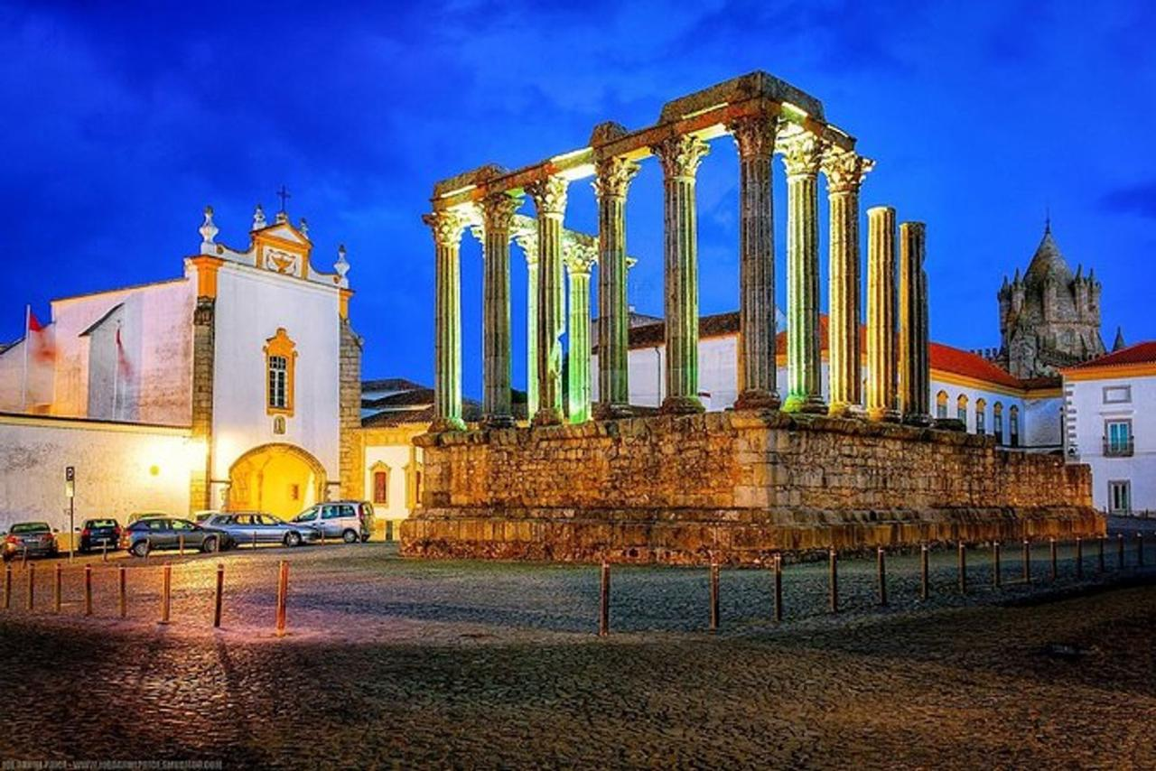 From Lisbon: Évora Private Tour with Lunch and Wine Tasting Full Day
