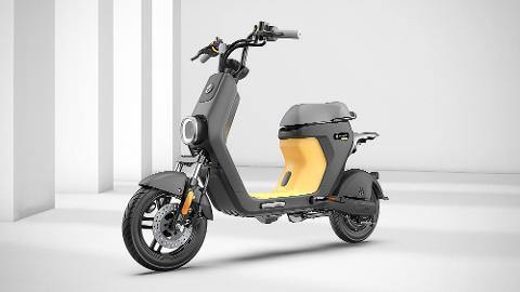 Moped -- Hourly Rental