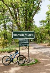 2 Hour Oak Valley Sip & Cycle tour
