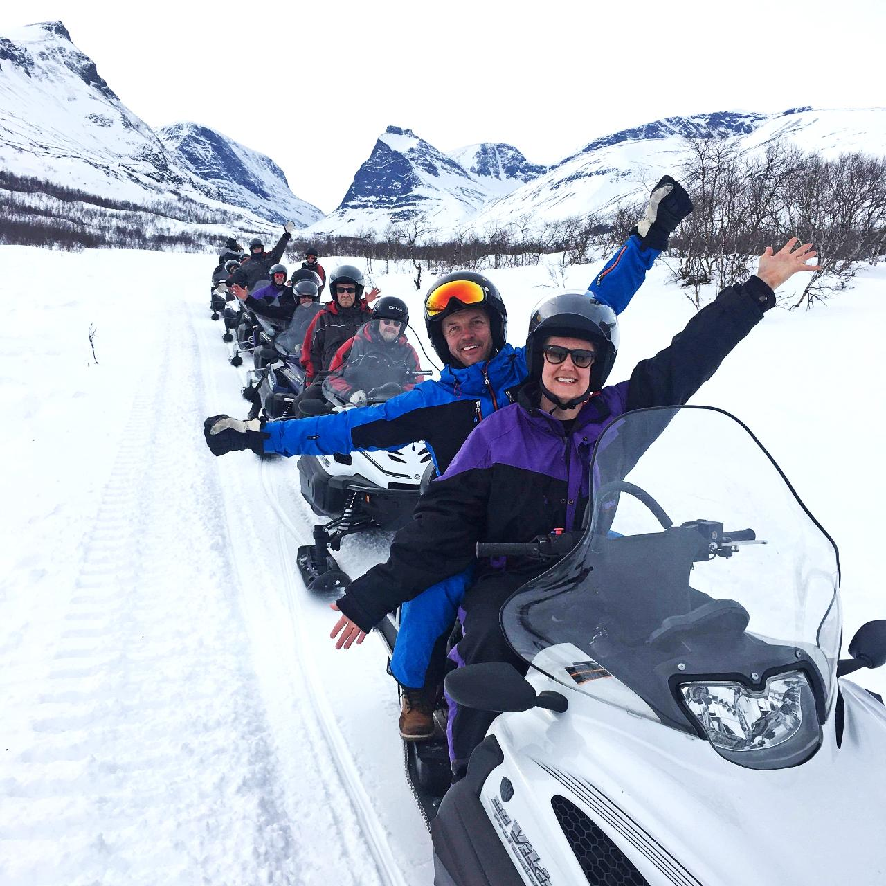 Superior snowmobile tour in the valley of Swedens highst mountain