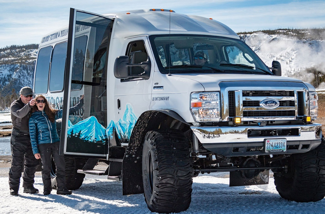 SS - Winter - Snowcoach Old Faithful Tour - PRIVATE