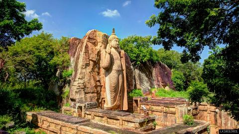 Yapahuwa, Sasseruwa and Auvkana Buddha Statue from Dambulla