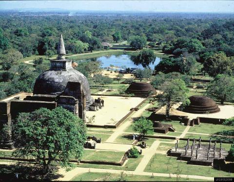 Polonnaruwa Ancient City and Minneriya from Kandy