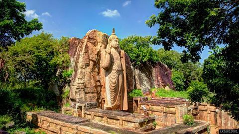 Yapahuwa, Sasseruwa and Auvkana Buddha Statue from Habarana