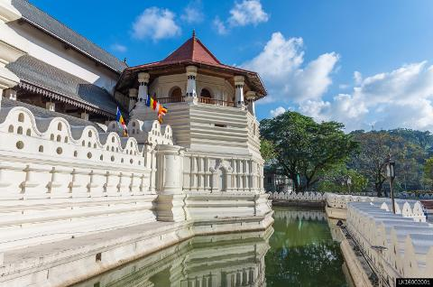 Pinnawala Elephant Orphanage, Temple of the Tooth, Royal Botanical Gardens from Colombo