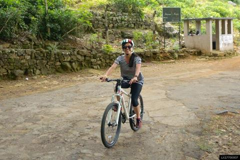 Three Temple Loop Cycling Tour from Kandy