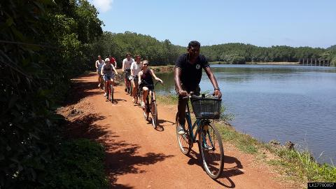 Lagoon Village Cycling Tour in Galle