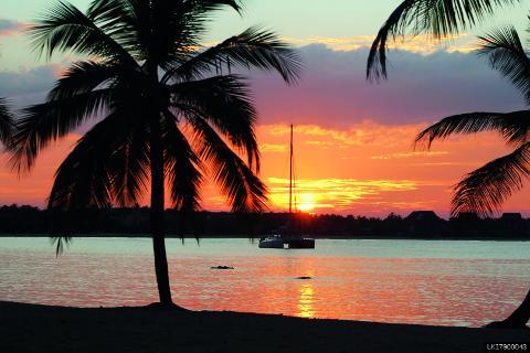 1 Night Cruise Vacation in Mirissa