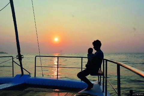 Private Whale Watching Sunset Cruise in Trincomalee