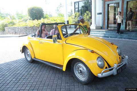Old Volkswagen Beetle Safari in Bentota