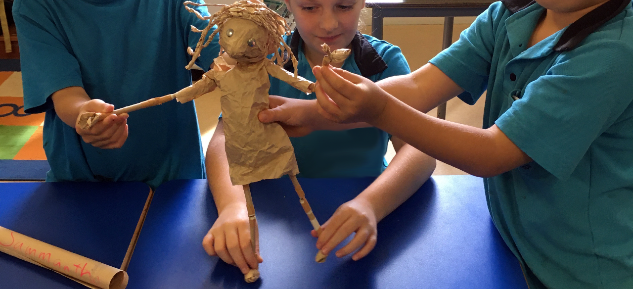 Workshop: Hero puppets of justice