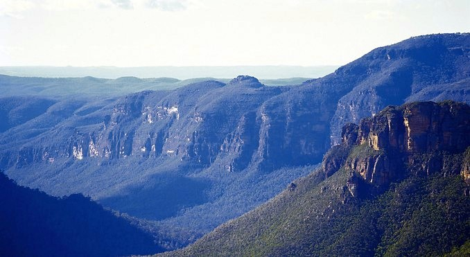 Jenolan Caves, Blue Mountains, Mudgee & Hunter Valley Wine & Wildlife 3 days Sydney to Outback NSW Tour