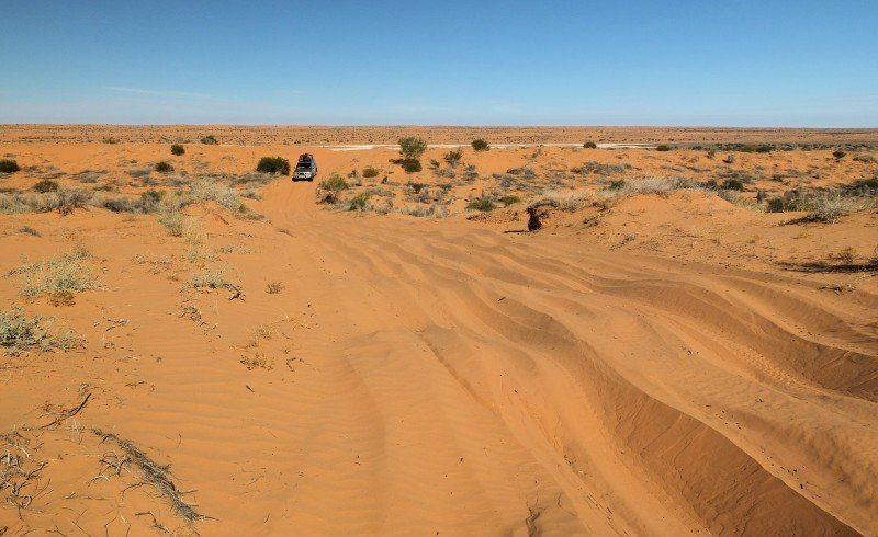 Simpson Desert Crossing Alice Springs to Mt Dare Dalhousie Birdsville Boulia Alice Springs 9 days