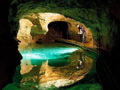 Jenolan Caves, Blue Mountains, Mudgee Hunter Valley & Nelson Bay Wine & Wildlife 4 days Sydney to Outback NSW Tour
