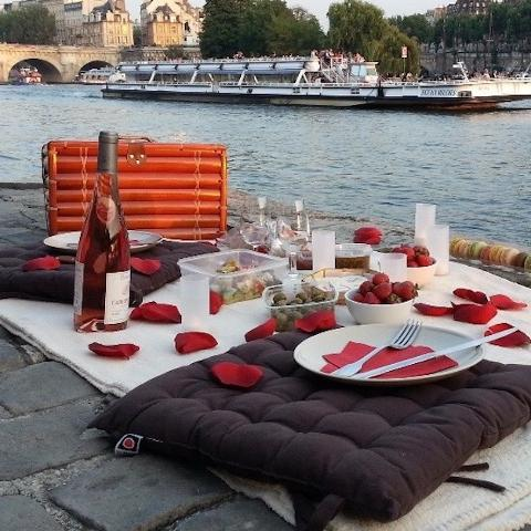 PLAN YOUR PARIS PICNIC