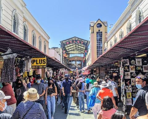 Private Cultural Walking Tour of LA's Fashion District