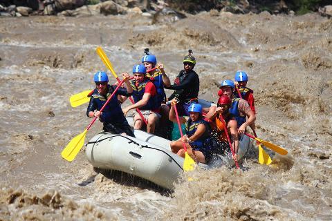 Rafting Chicamocha Canyon (Class III & IV)