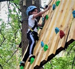 1. Explorer  - Wildcats Zone (30 mins). 14 Obstacles.  Suitable from age 5.