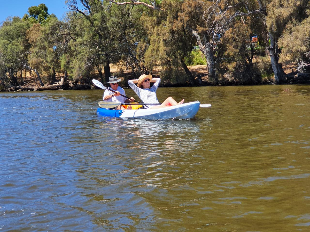 Mandoon Winery and Kayak Tour with wine tasting and lunch
