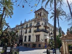 Seville Tour: Old Town Wonders Exploration Game