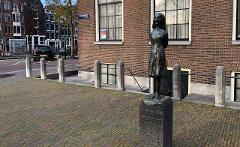Iconic Amsterdam: Jordaan Exploration Game