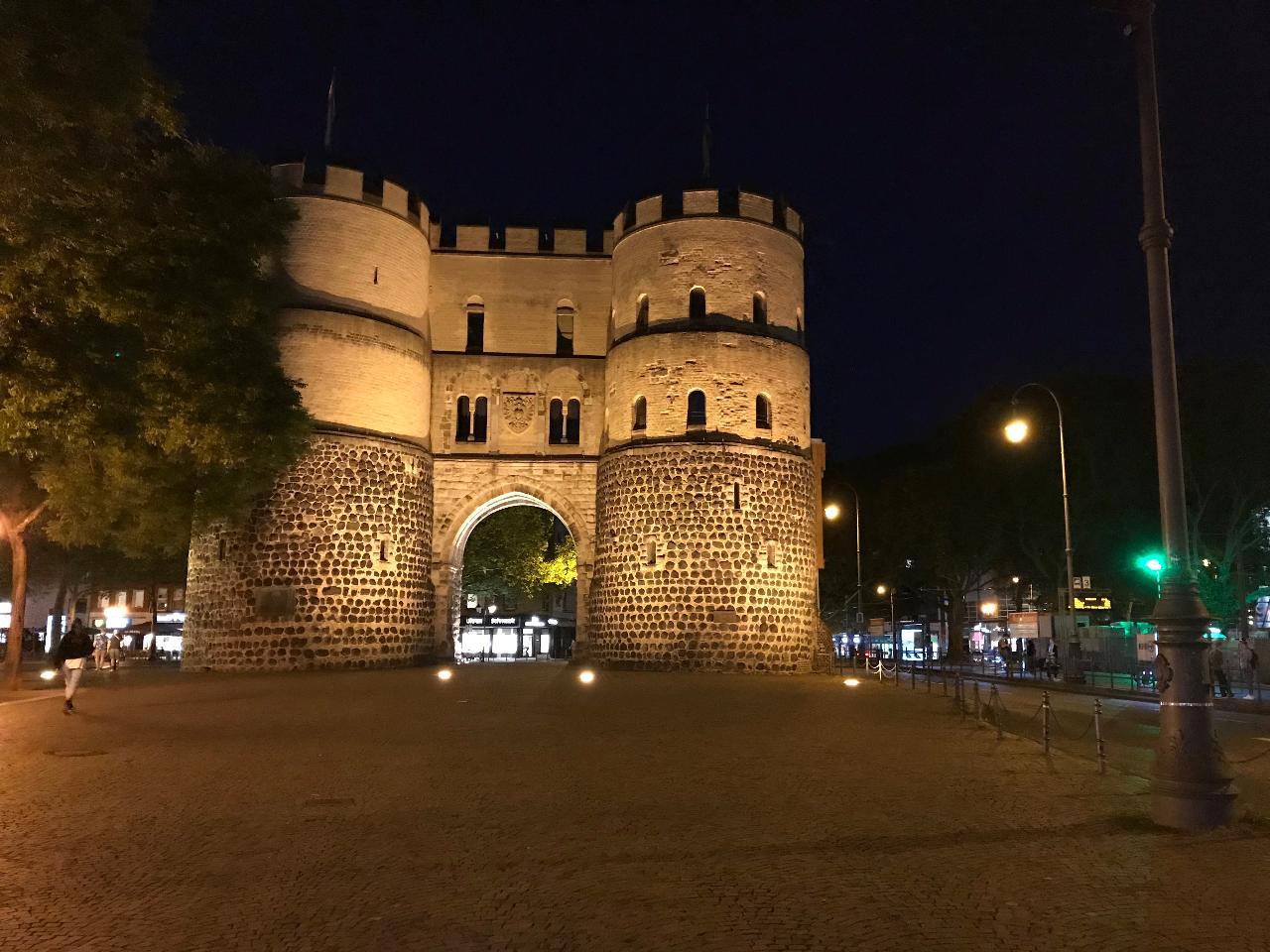 Cologne: Haunted Cologne City Exploration Game & Tour