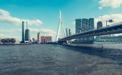 Sky-High Rotterdam: A Chase Against Time