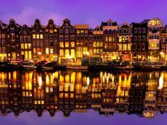 Romantic Amsterdam City Exploration Game
