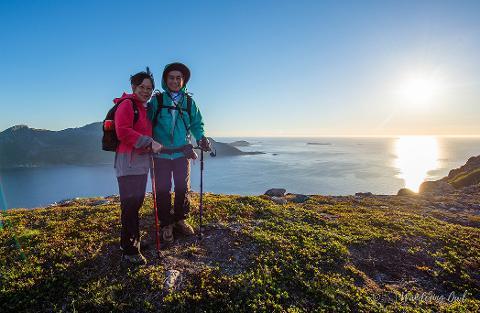 https://img.rezdy.com/PRODUCT_IMAGE/176932/best_hiking_tromso_norway_med.jpg