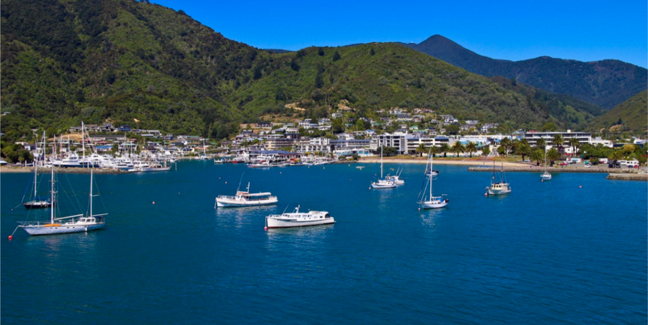 6. Queen Charlotte Track combo