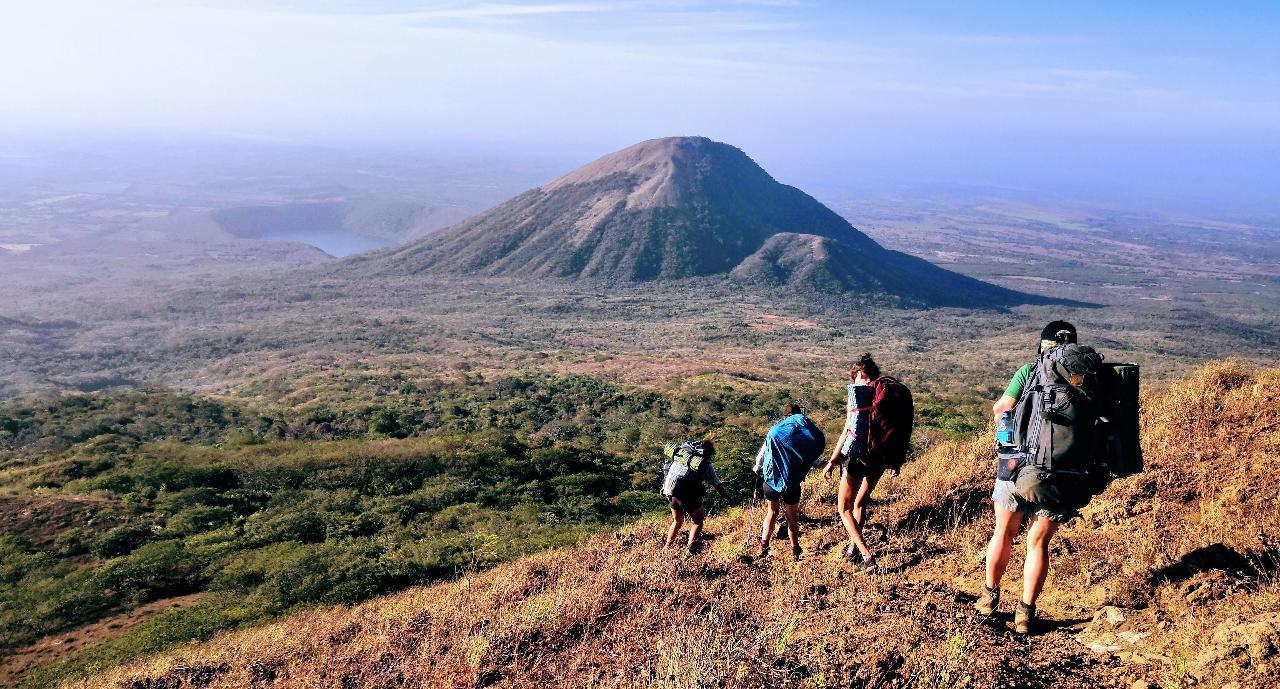 2 Day - Volcan El Hoyo