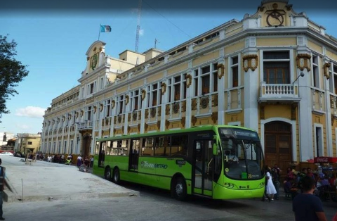 Guatemala City: Walking Tour & Public Bus
