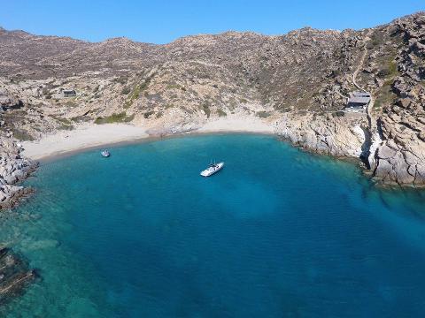 chamouchades_beach