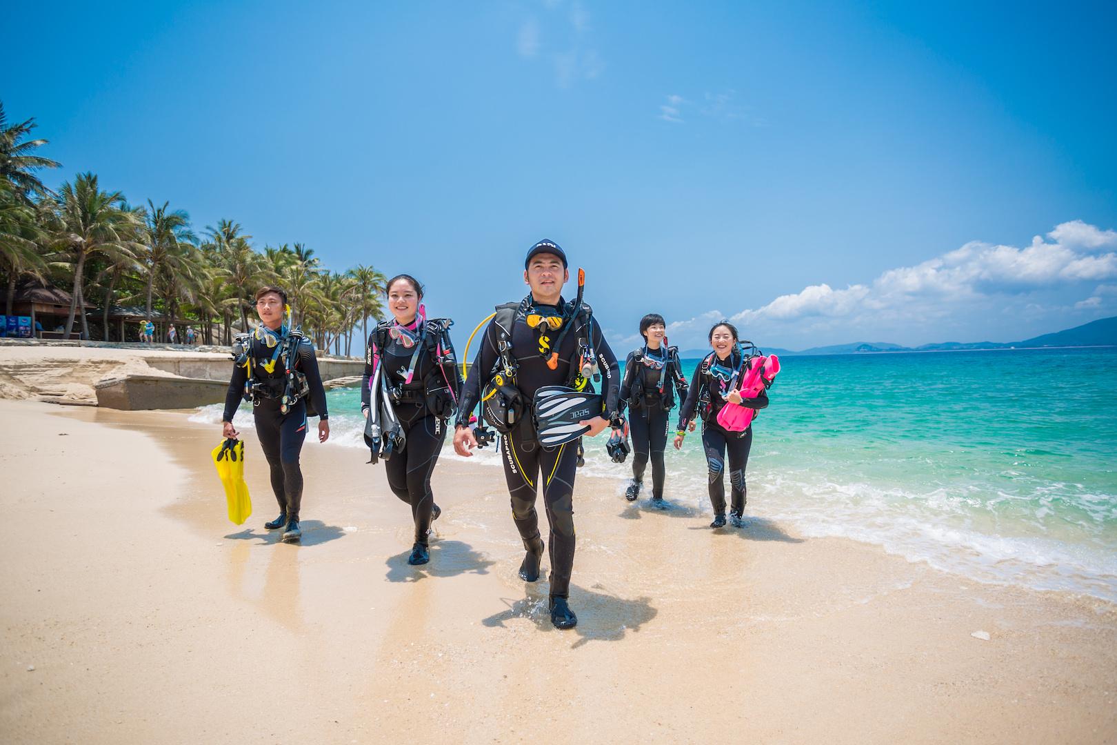 Wave Break Island Discover SCUBA Diving Tour - GOLD COAST