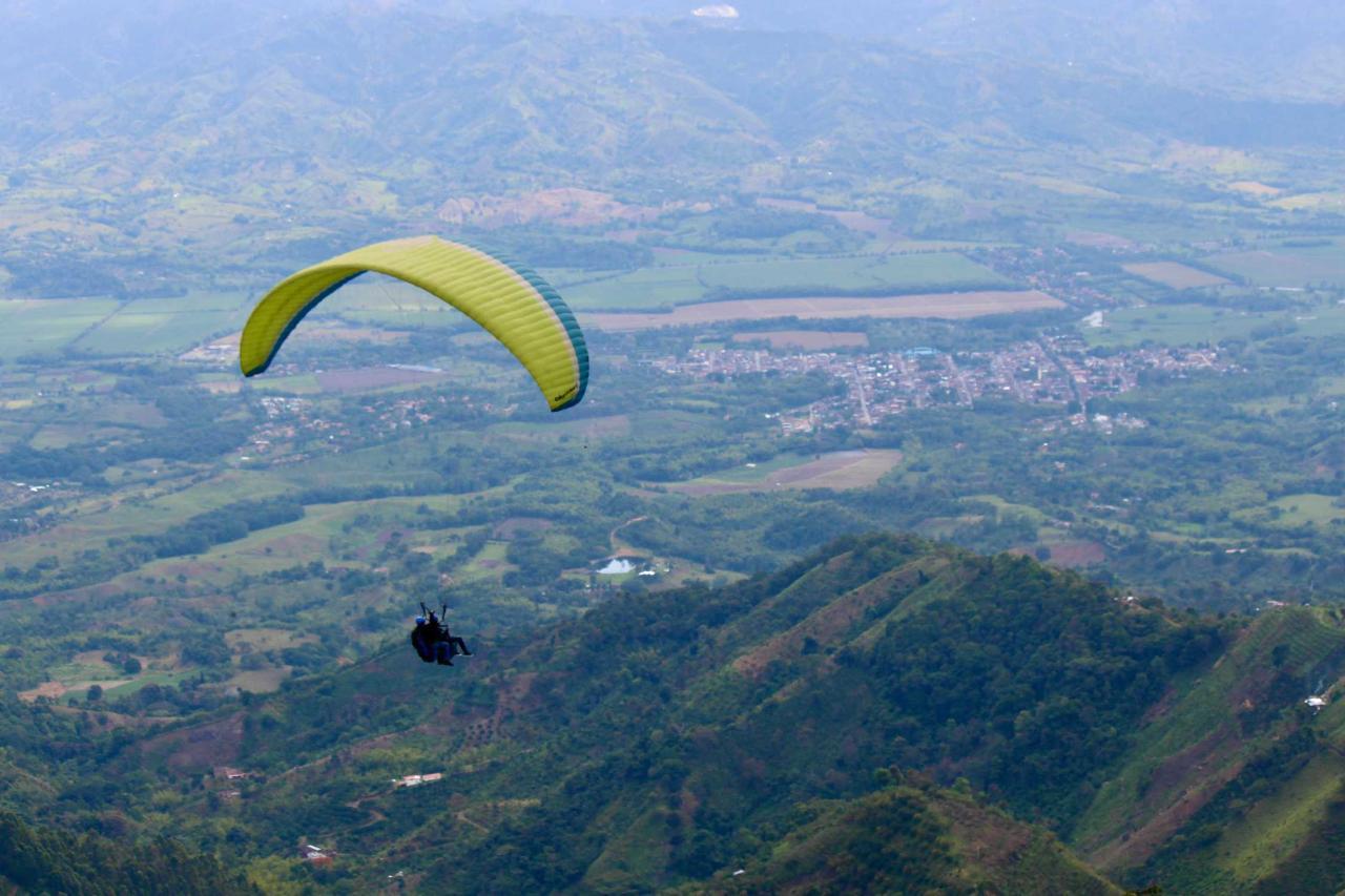 Salento, Paragliding Apia + Nature Reserve 8 hour tour - 15-25min flight