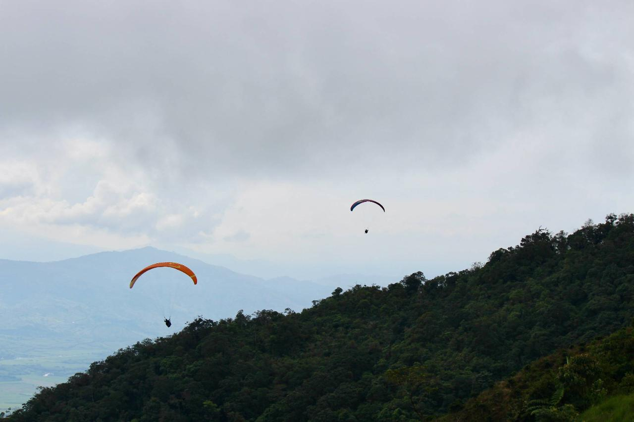 Viterbo, Paragliding Apia + Nature Reserve & Willys Ride 3 hour tour - 15-25min flight