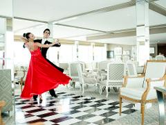Daily Waltz Classes | for couples