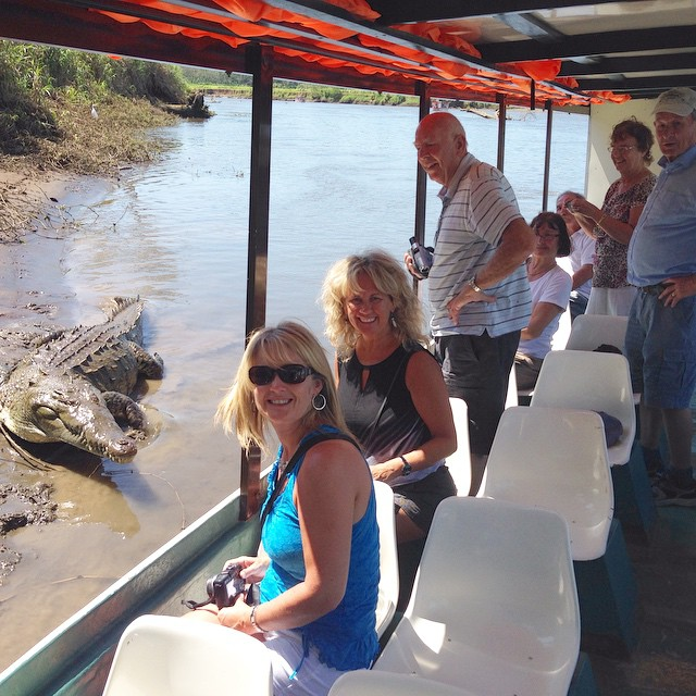 San Jose to Dominical Crocodile watching Boat Tour on Tarcoles River