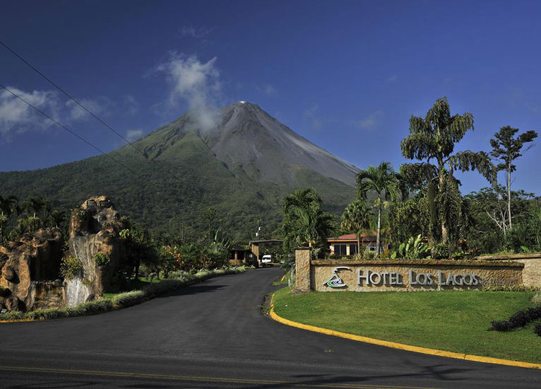 Arenal Volcano Hike COMBO Hot Springs Los Lagos