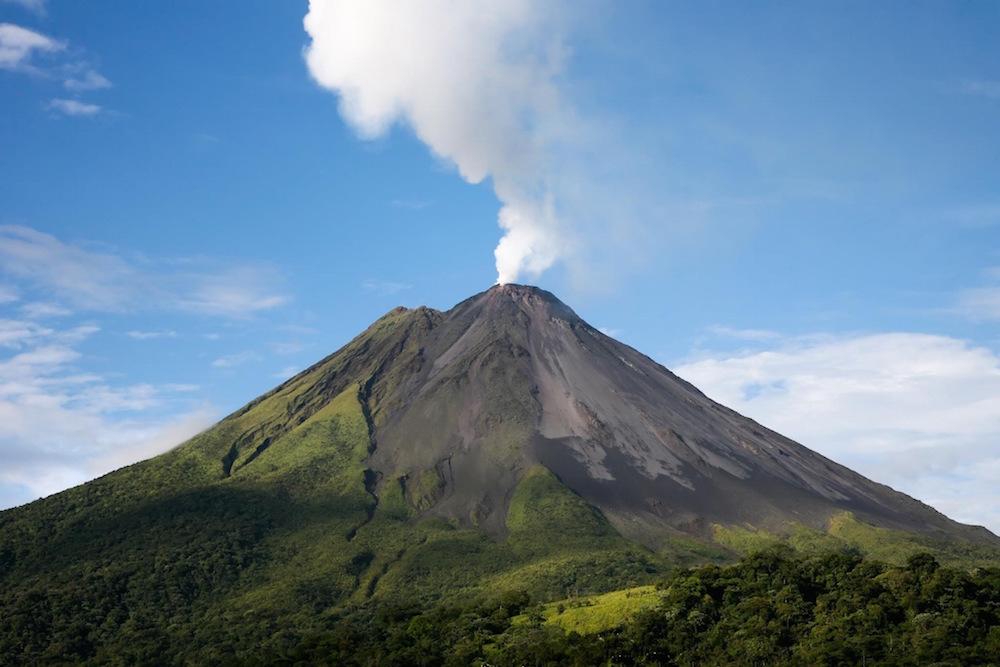 Arenal COMBO Tour: Volcano Hike + Rainforest & Natural History Walk & Paradise Hot Springs + Dinner