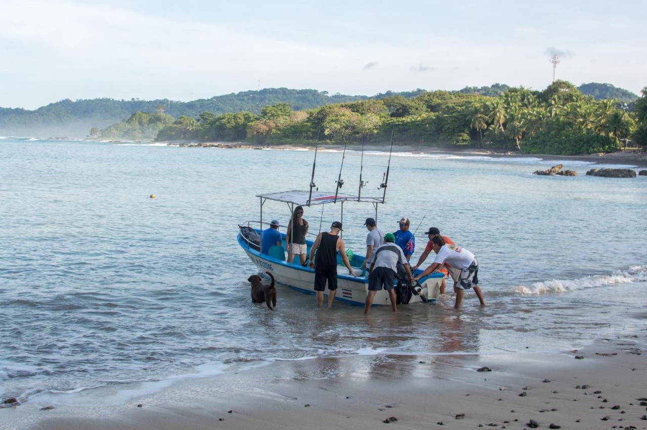 Fishing Trips Mal Pais Santa Teresa Interbus Costa