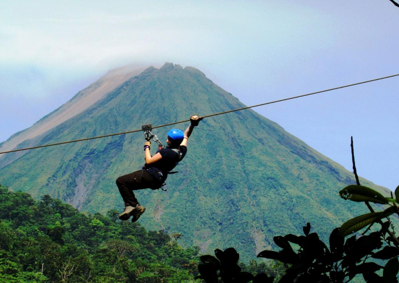 Conchal Tours: Guanacaste-Arenal One-Day Tour with Sky Adventures Canopy Zipline + Hot Springs