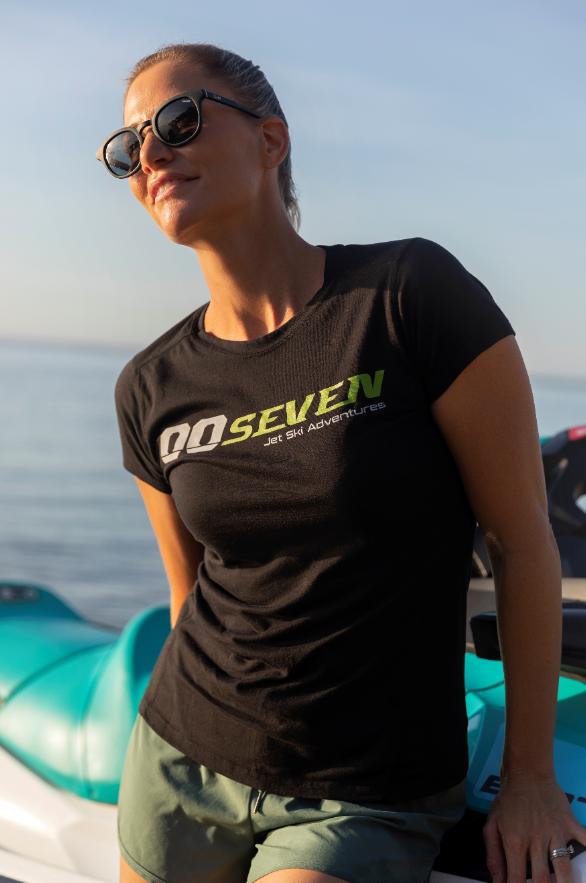 00Seven Ladies' T-shirt
