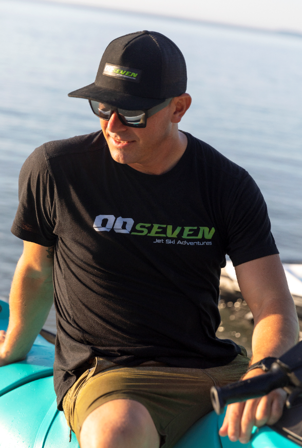 00Seven Men's T-shirt