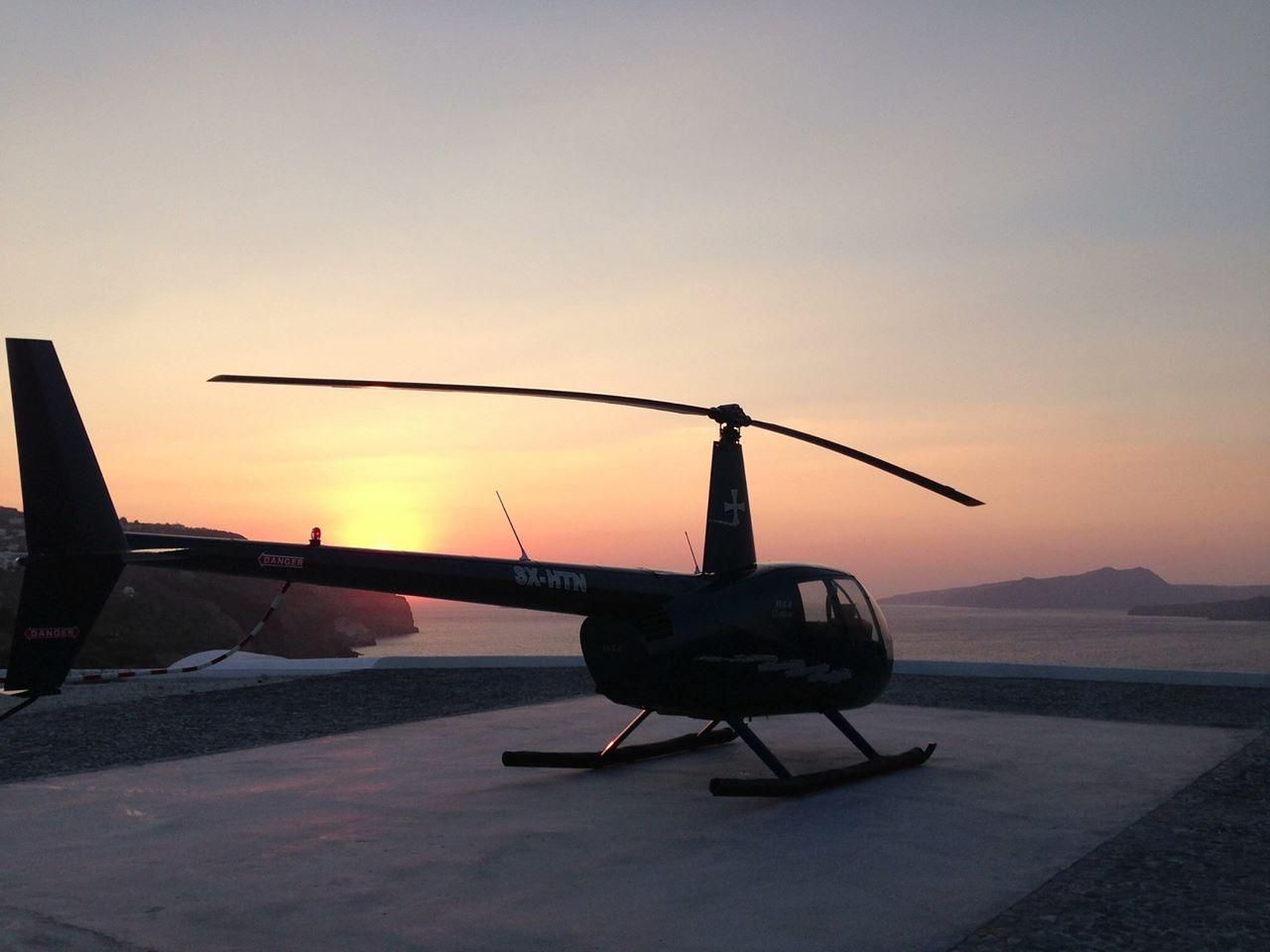 Sunset Flight: 20 Min Santorini Helicopter Flight