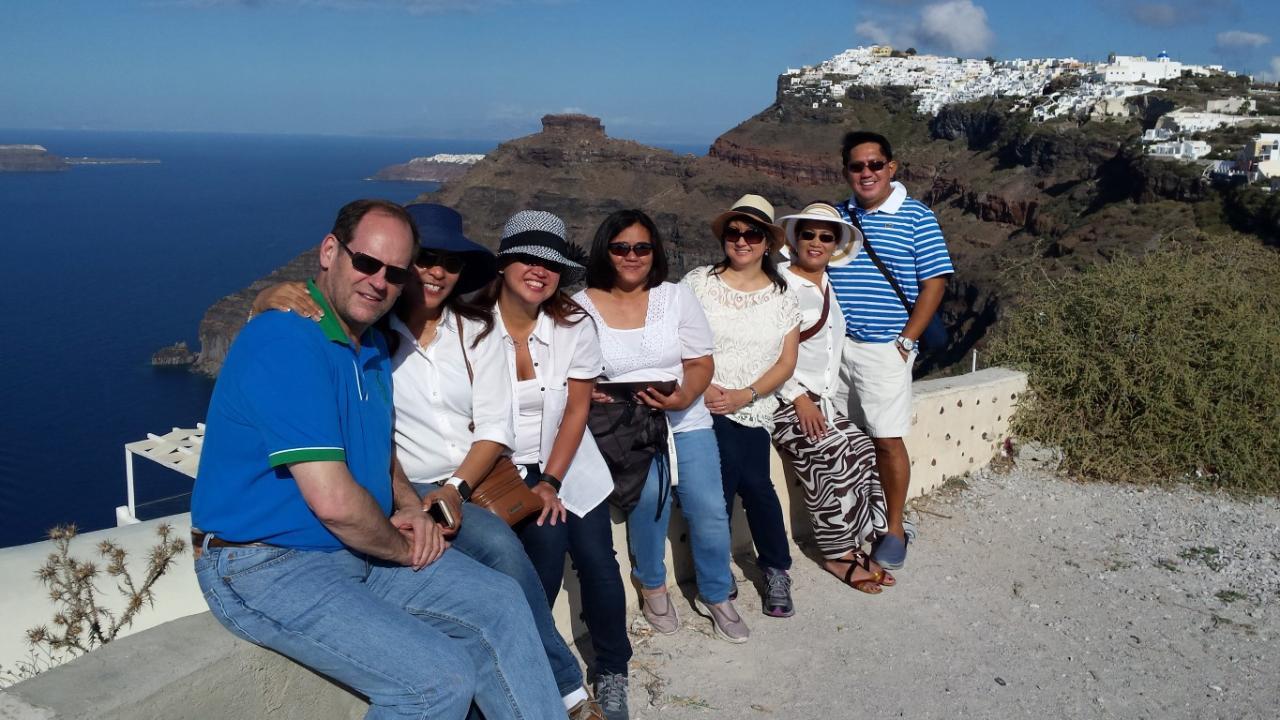 Santorini in a Day: Full Day Custom Tour of Santorini