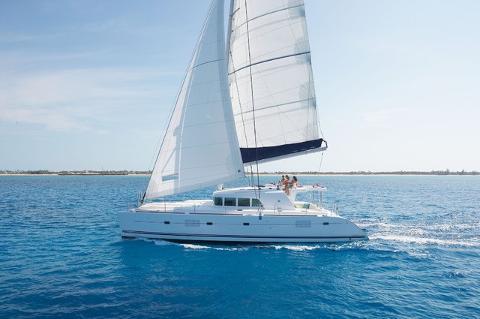 Day Tour: Semi-Private Deluxe Catamaran Cruise