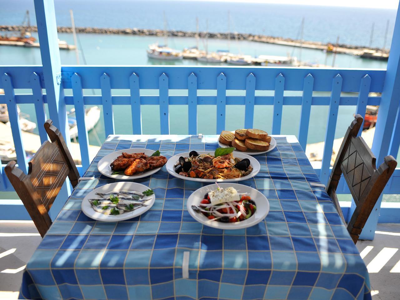 Private Santorini Food Tour
