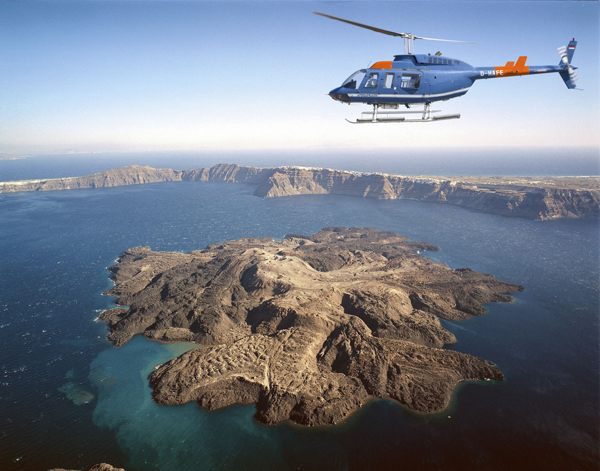 15 Minute Santorini Helicopter Flight