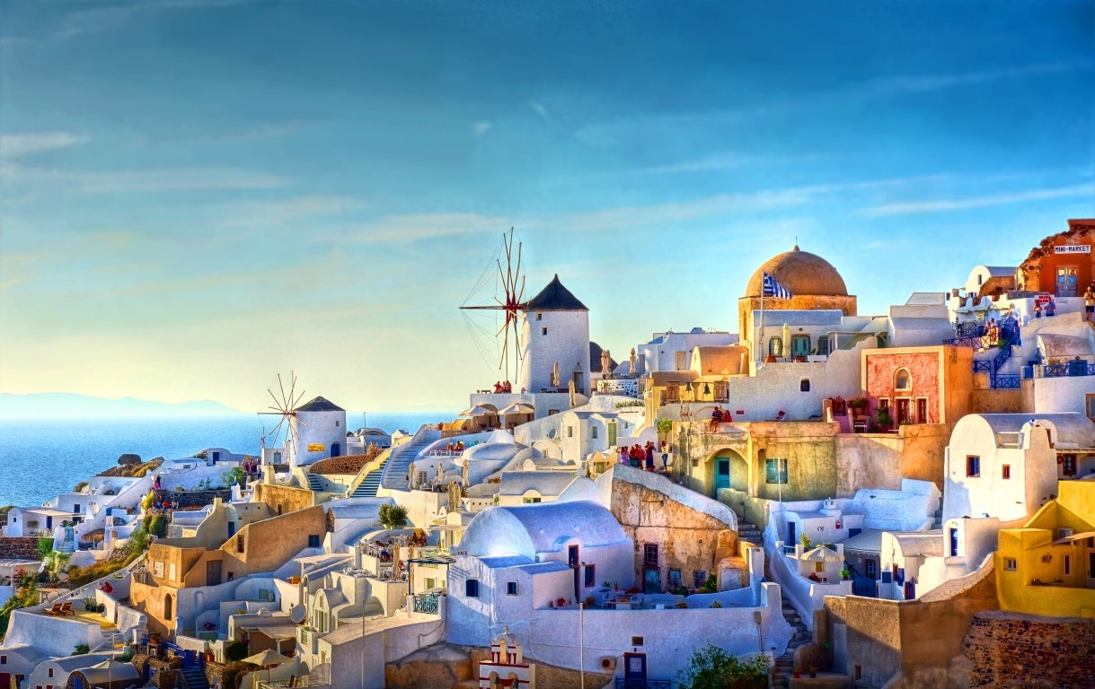 Trails of Atlantis, Winery, and Oia Village: 6-Hour Private Tour